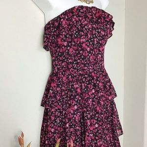 White House Black Market Tiered Dress.  SIZE 2 💘